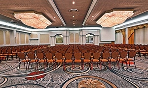 Crowne Plaza Niagara Room