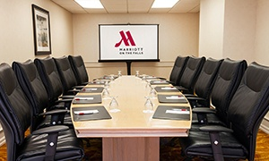 Marriott On The Falls Executive Boardroom