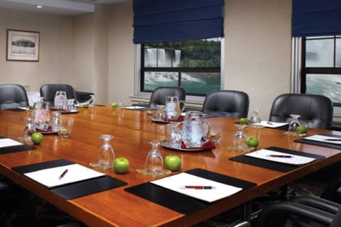 Crowne Plaza Fallsview Boardroom